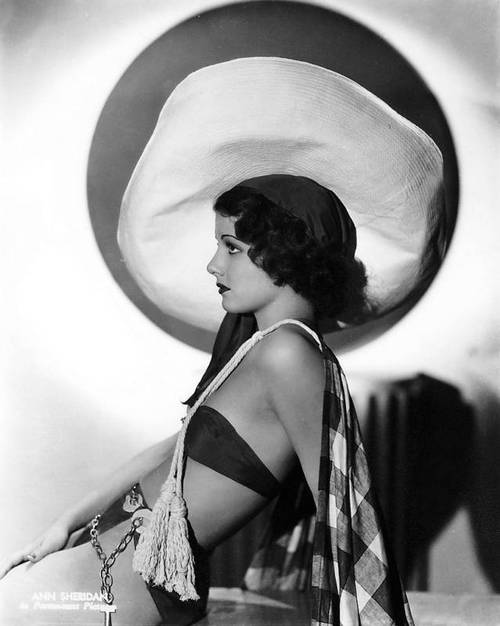 Hollywood stars in ridiculously big hats: Ann Sheridan