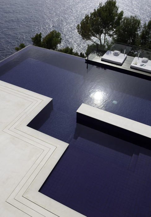 Geometric Design/Infinity Pool