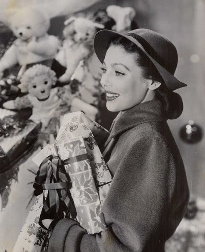 Merry Christmas from Loretta Young