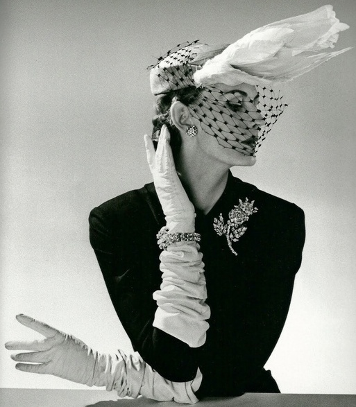 Hat and bling, 1950s style