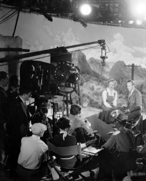 "Leslie Howard and Bette Davis during the filming of ""The Painted Desert"""