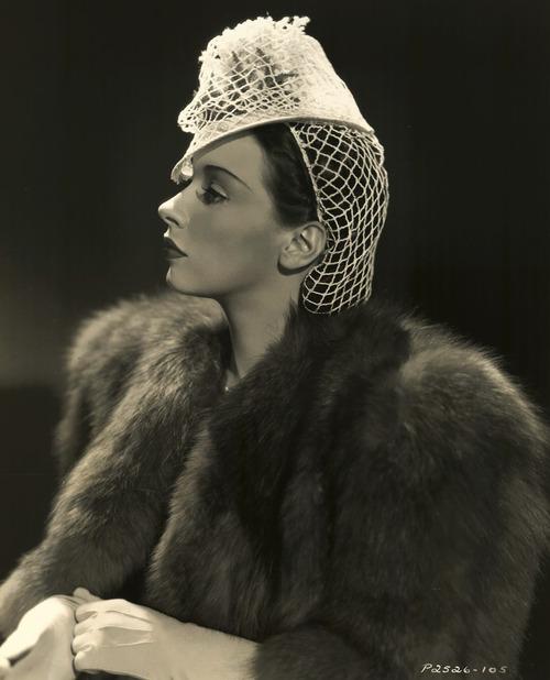 Patricia Morison, 1939