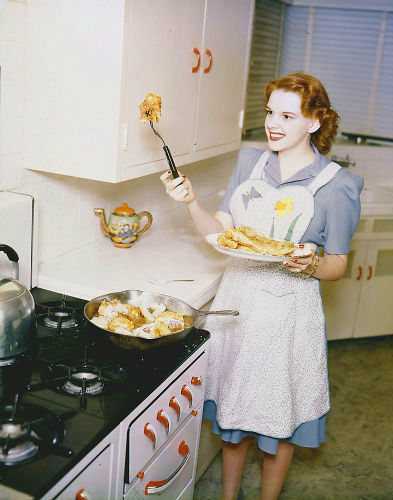 In the kitchen with Judy Garland