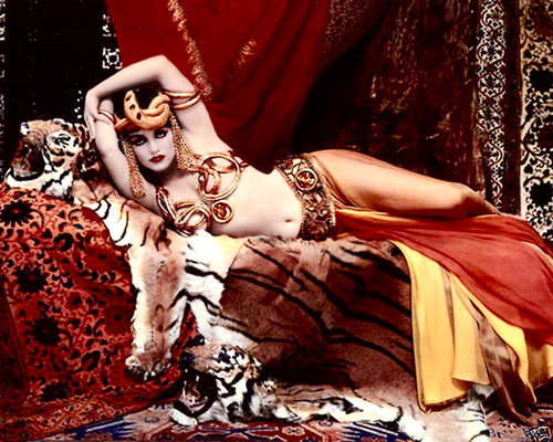Marilyn Monroe as Theda Bara, 1957, photo by Richard Avedon