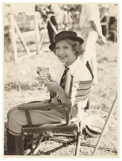Helen Twelvetrees, having a cuppa and asmoke