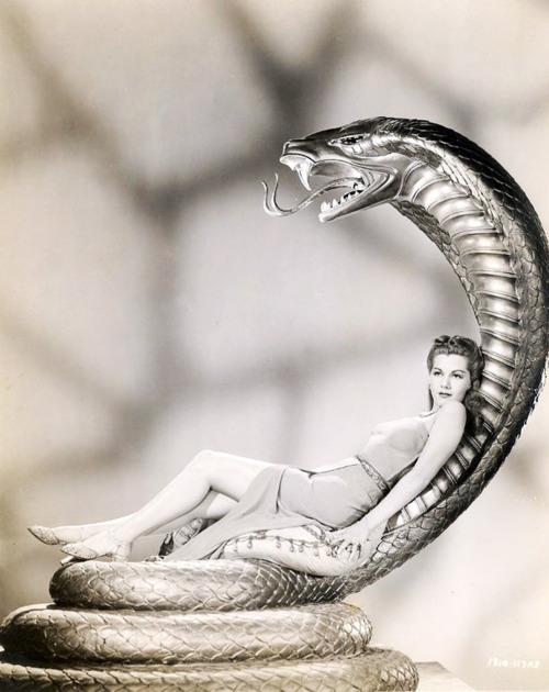 Maria Montez, 1943