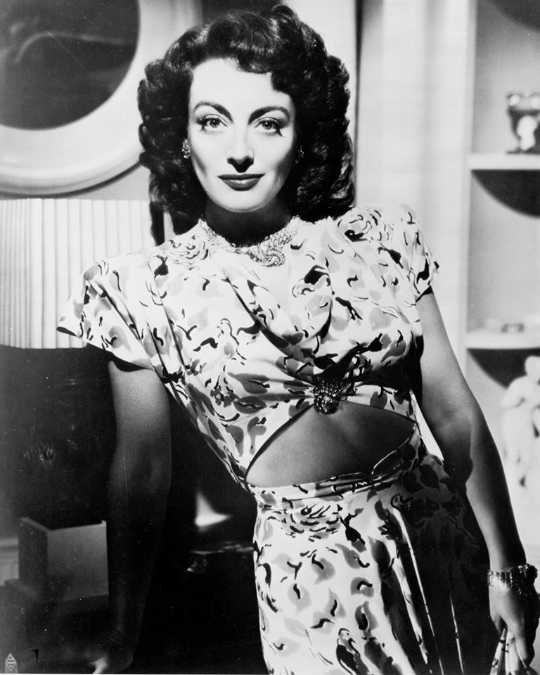 Joan Crawford, bellyexposed