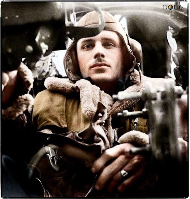 Royal Air Force gunner, photo by CecilBeaton