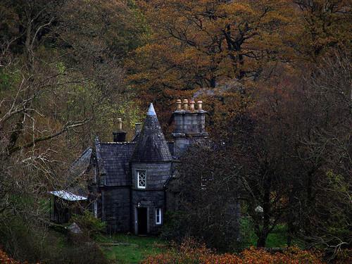 Quaint/Romantic cottage – but I don't know, a littledark