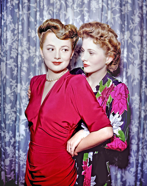 Olivia DeHaviland and Joan Fontaine