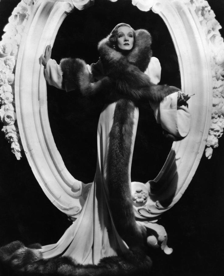 Marlene Dietrich, striking a pose