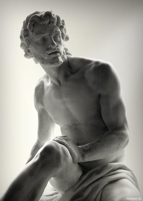 statue 4501