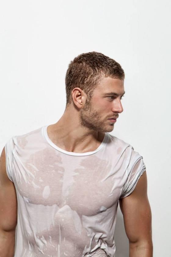 wet tshirt