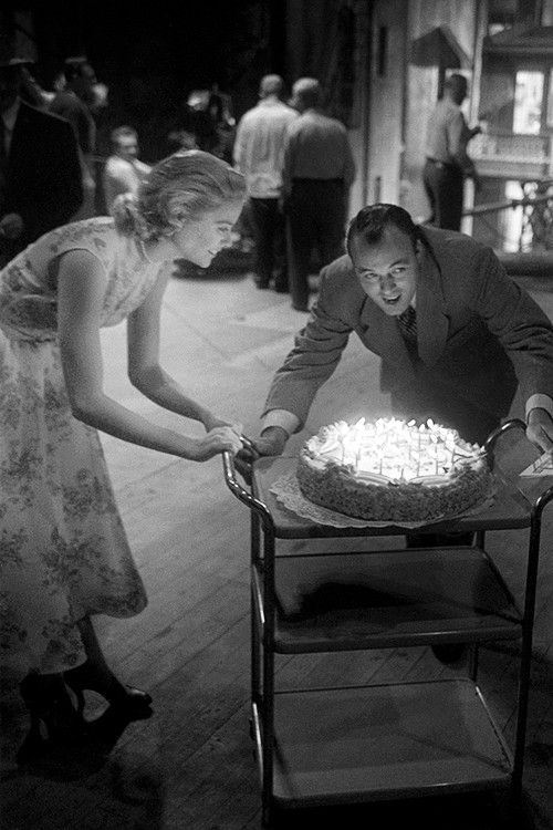"""Grace Kelly celebrating her 24th birthday on the set of """"RearWindow"""""""