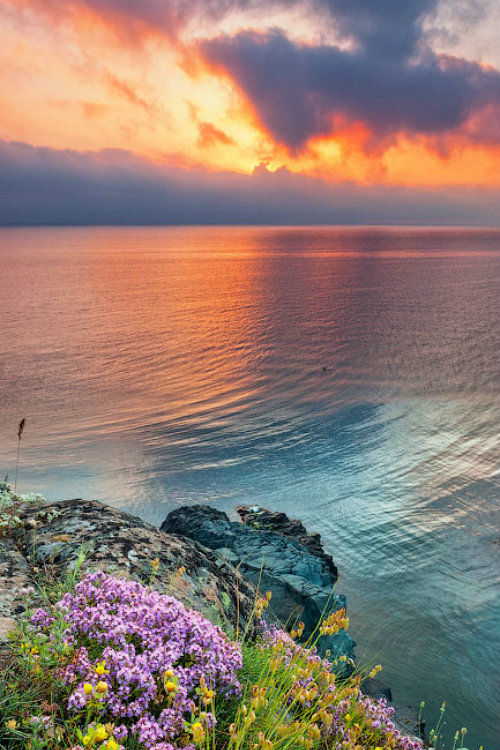 Sunset on the Black Sea in Bulgaria (Photo by Evgeni Dinev)