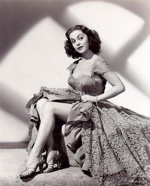 Estelita Rodriguez, 1952