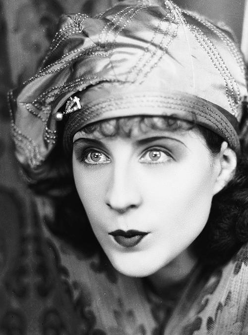 Norma Shearer, 1926