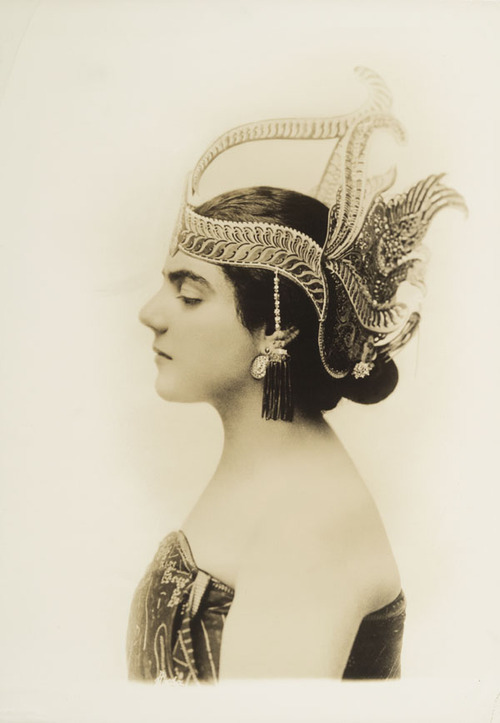 Eva Gauthier, Canadian-American Opera Singer, early1900s