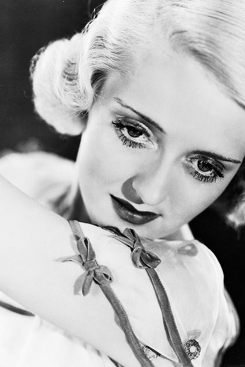Bette Davis, 1931