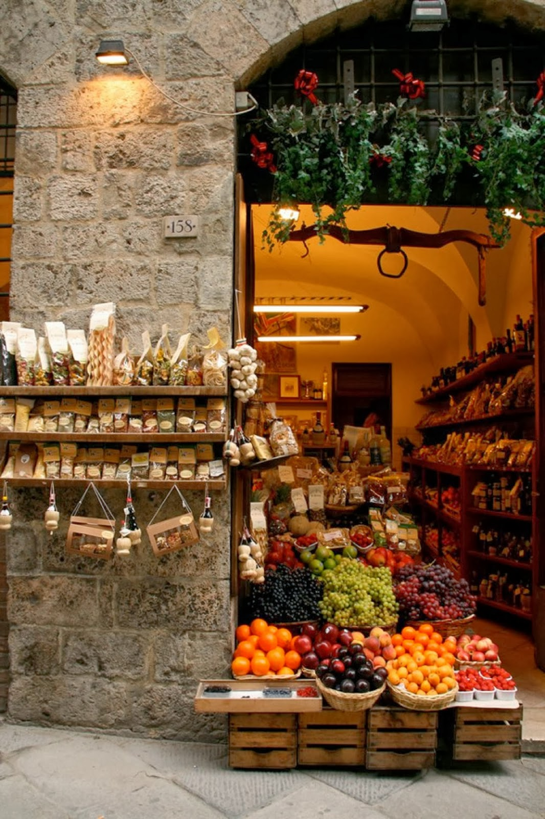 A little gourmet shop in Italy