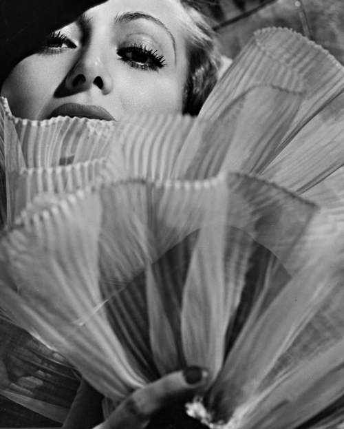 joan crawford ruffles 3