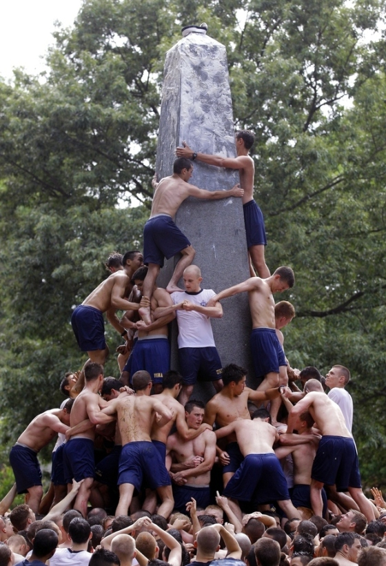 navy greased obelisk 8
