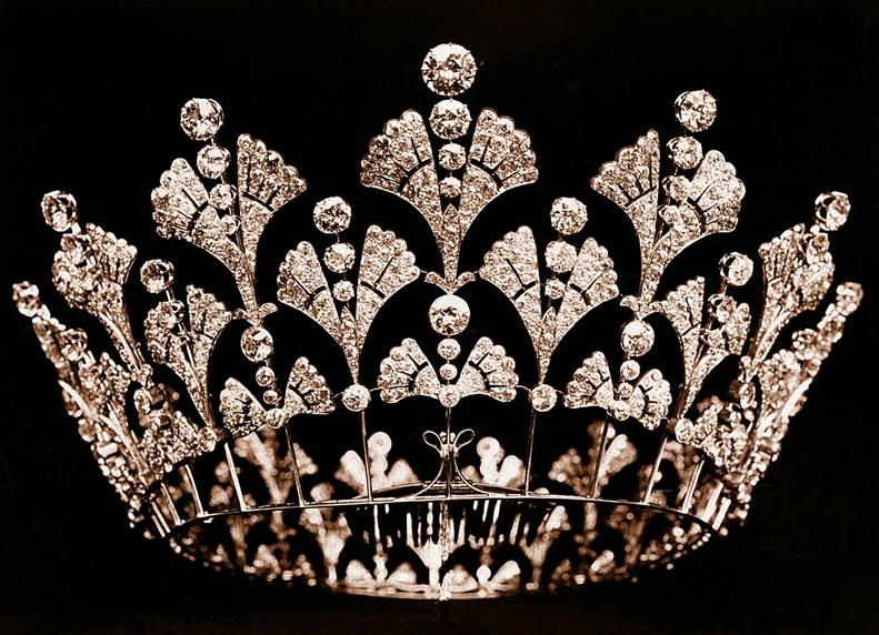 تيجان ملكية  امبراطورية فاخرة Queen-mothers-tiara