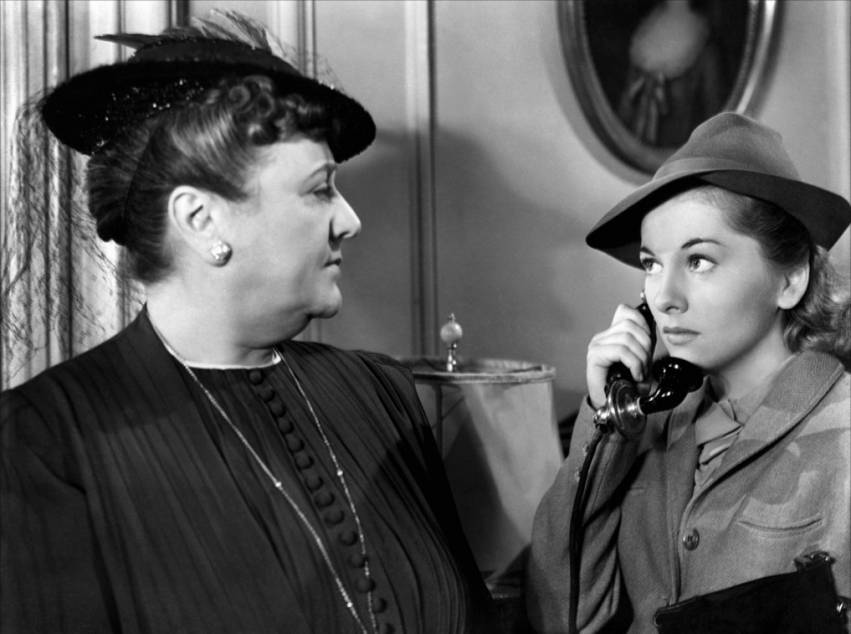 """Florence Bates and Joan Fontaine in """"Rebecca"""", 1940"""