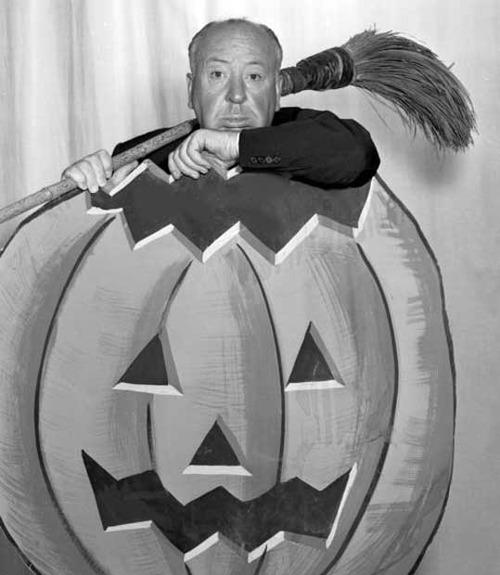 Alfred Hitchcock HalloweenPhoto