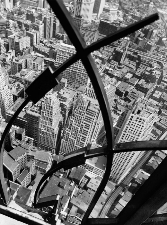 Photo taken in New York City by Berenice Abbott (1950s?)