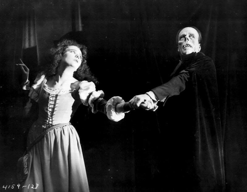 "Mary Philbin and Lon Chaney in ""Phantome of the Opera"", 1925"