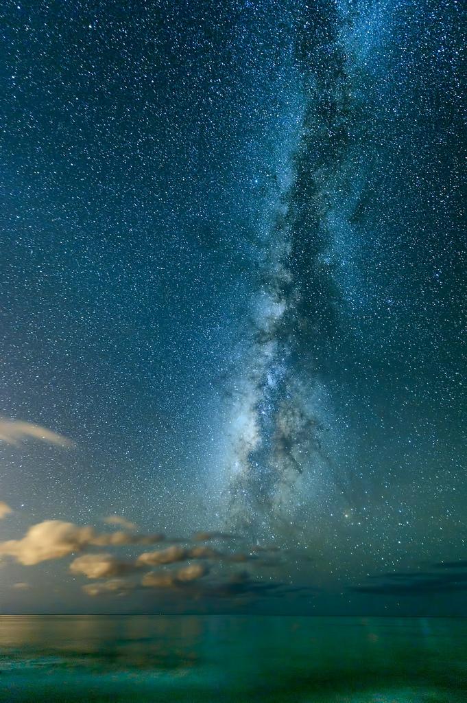 Milky Way over theocean