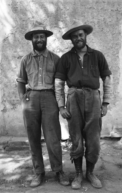 beards together 501
