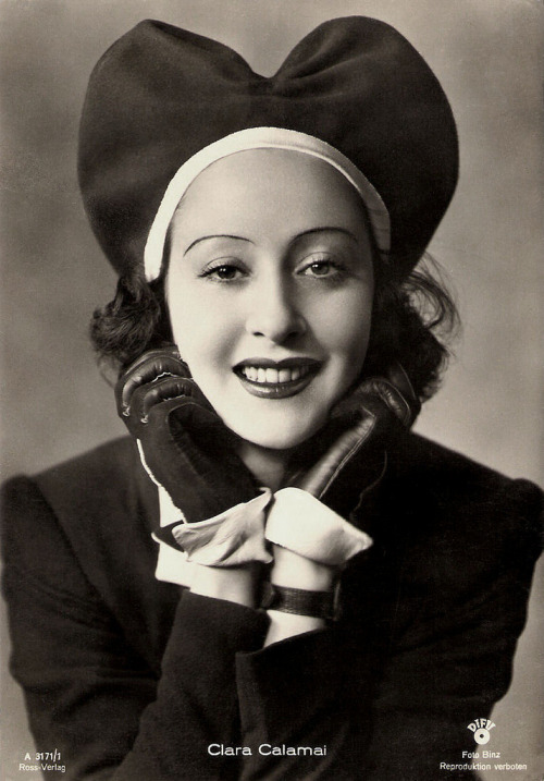 Italian Actress Clara Calamai (but it's all about the hat)