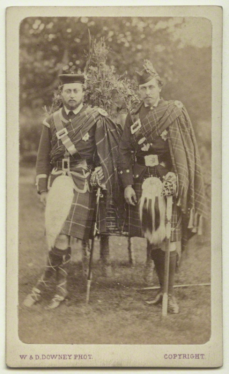 King Edward VII (UK), on theleft