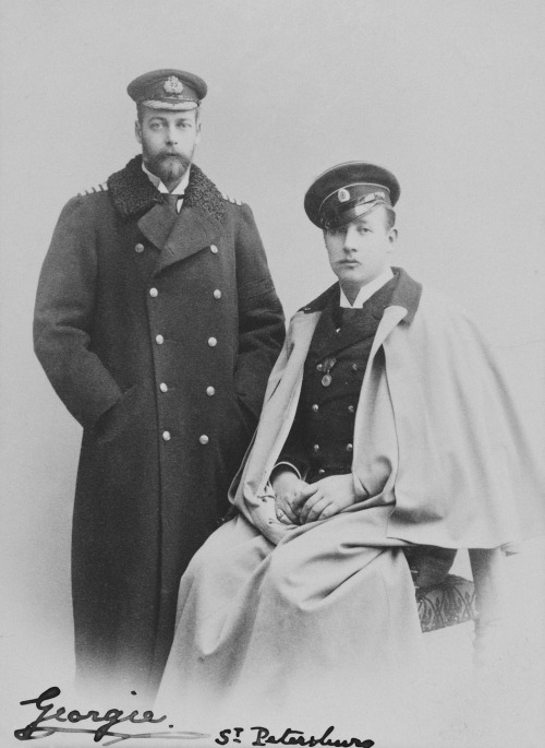 King George V (Georgie!) of the UK on the left and King George of Greece on theright