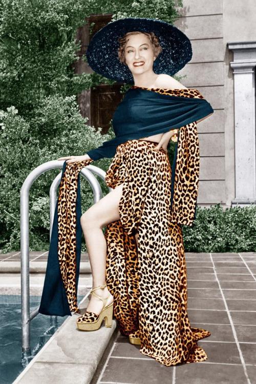 "Gloria Swanson, 1950, promo shot for ""Sunset Boulevard"""