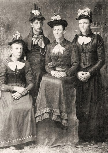 Cross-dressing, 1800s