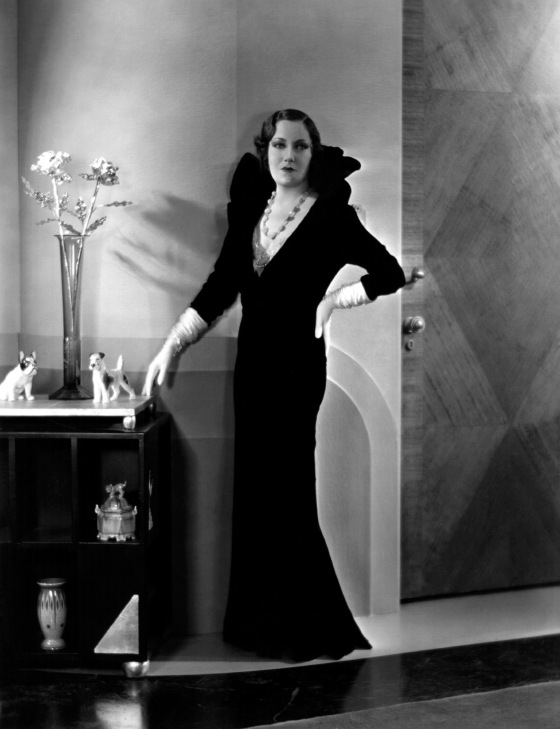 circa 1931: American actress Gloria Swanson (1897 - 1983) in a scene from the film 'Indiscreet', directed by Leo McCarey for Art Cinema Corporation.