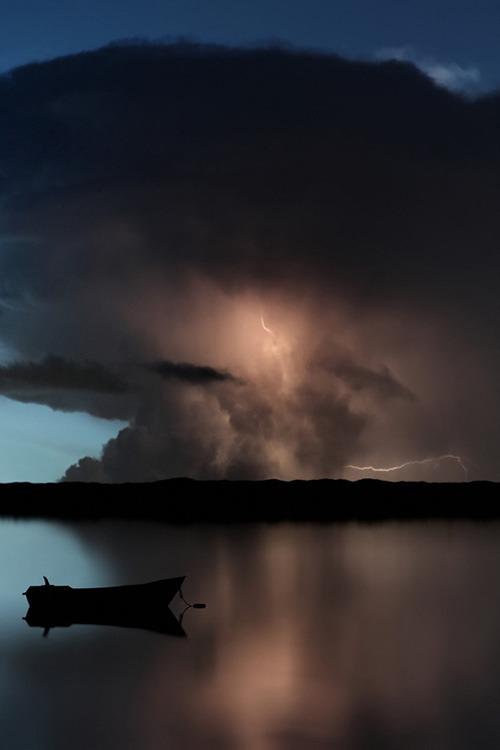 lightning ocean 1