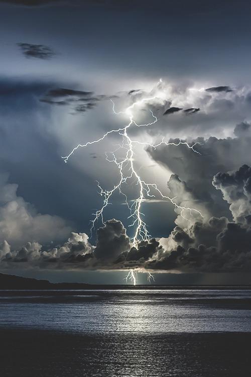 lightning ocean 2