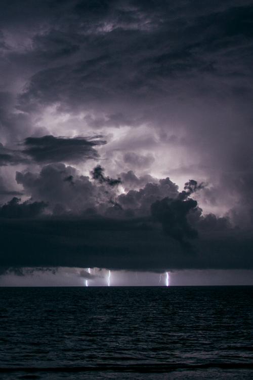 lightning ocean 6
