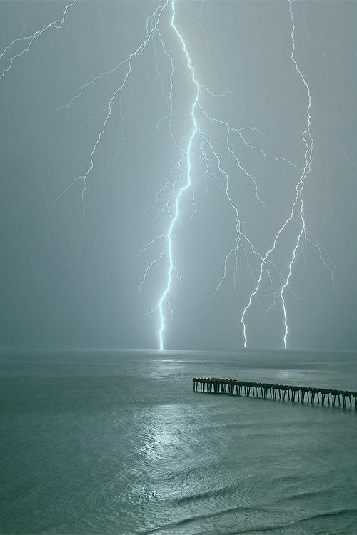 lightning ocean 7