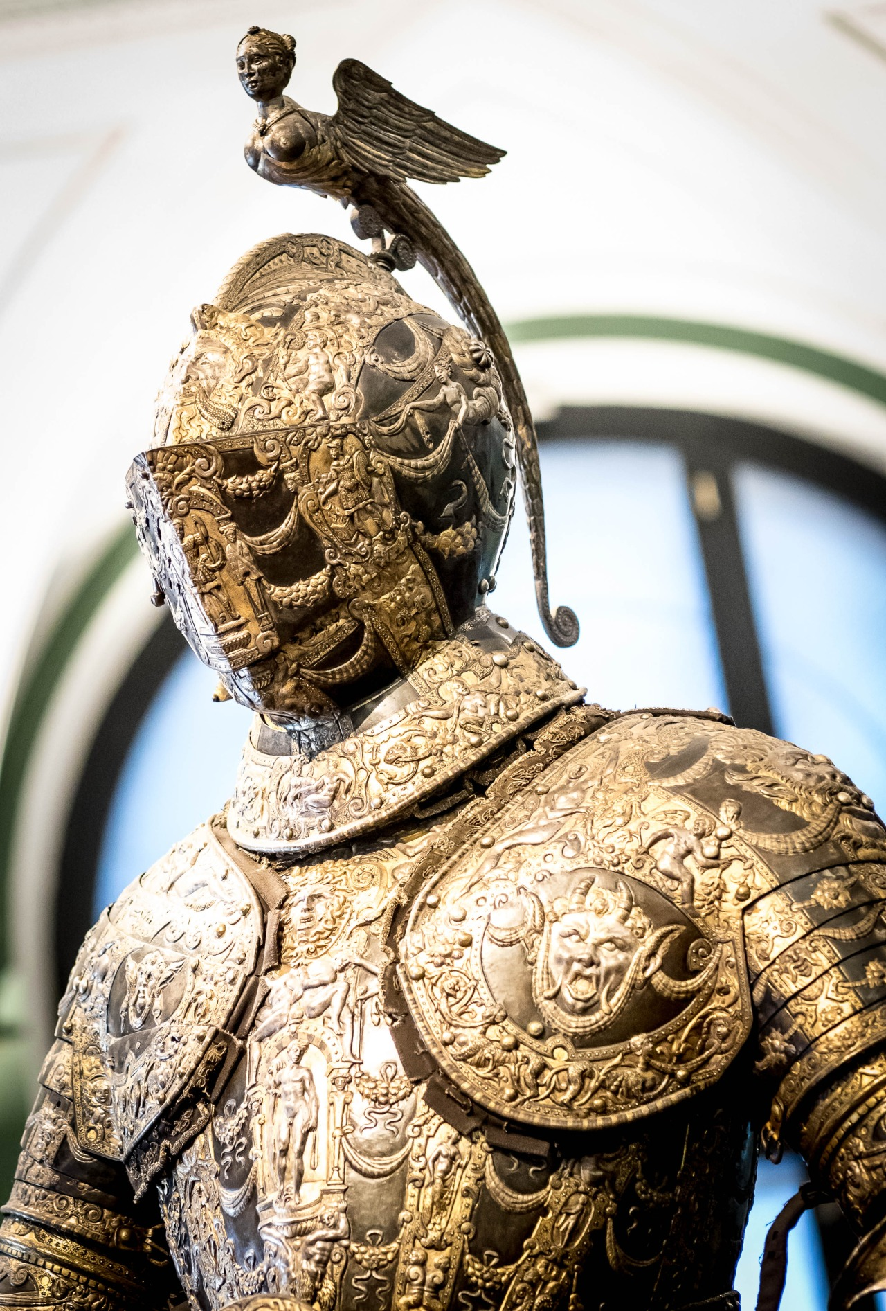 Armour presented as a gift to King Ferdinand II ofSpain