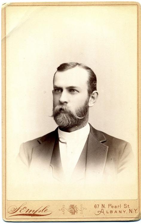 beard 2501