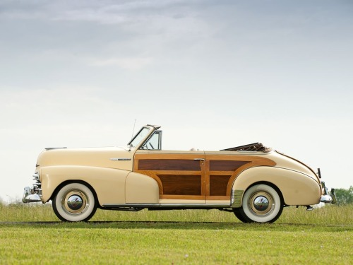 Beautiful wood paneled convertible, circa 1940