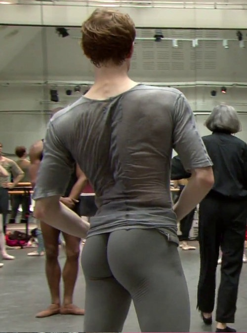 dancer butt