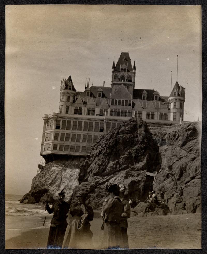 The original Cliff House, San Francisco, circa1900