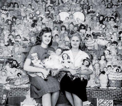 Doll hoarders, 1940s