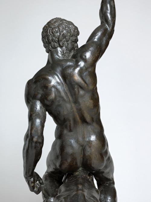 statue butt 98